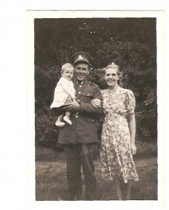 Mum, Dad & me...1941